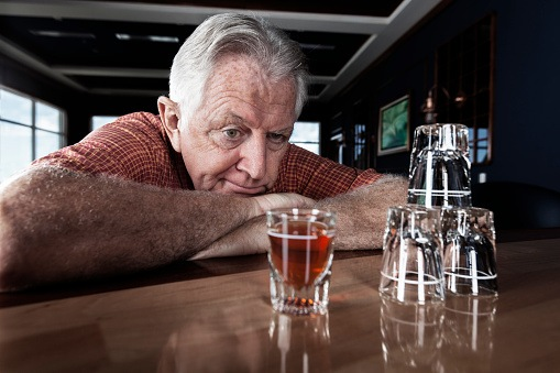 drink, Alcohol Consumption Linked to Increased Risk of Dementia and Cognitive Decline in Older Adults